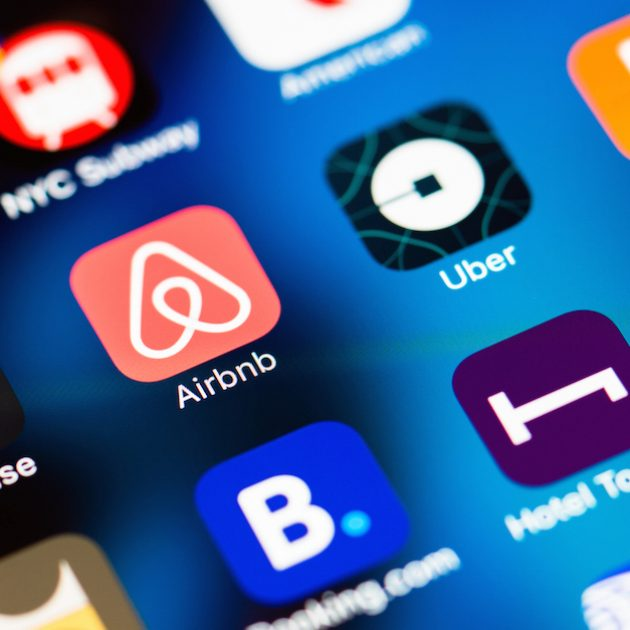 Airbnb-applications-smartphone